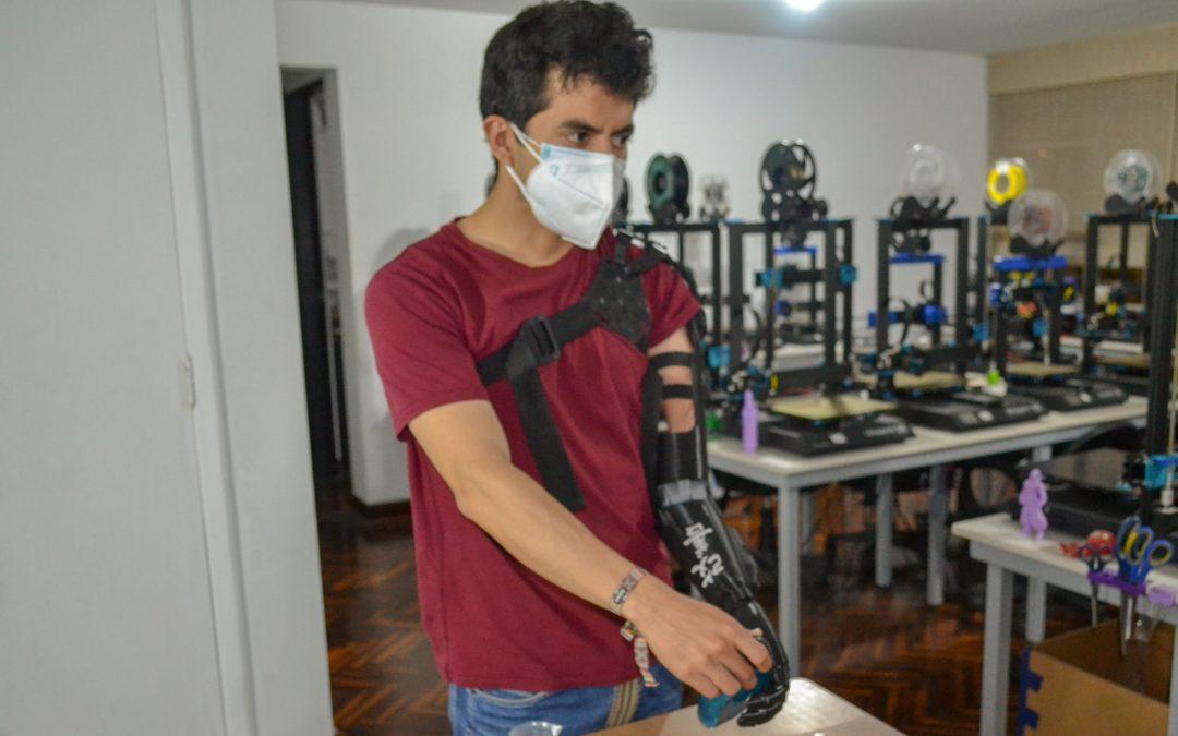 Primera Prótesis Biónica Impresa en 3D con Articulación de Codo